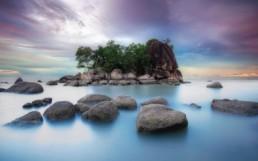 O insula intreaga intr-un ocean de necunoscut.